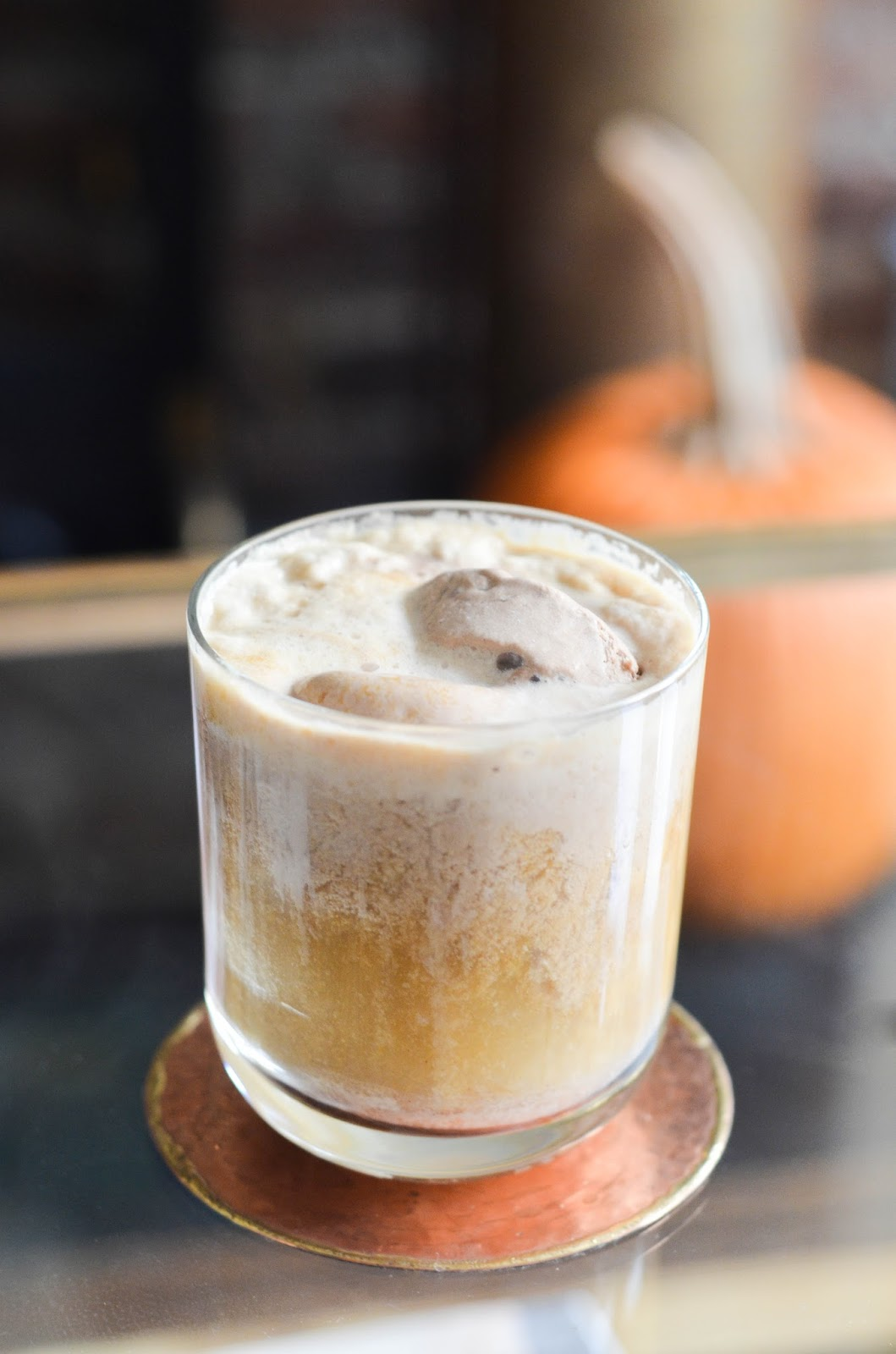 bourbon pumpkin pie ice cream float | prosecco in the park
