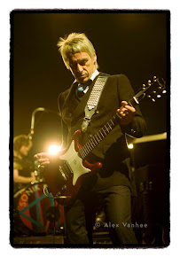 Weller in Brussels, English Review