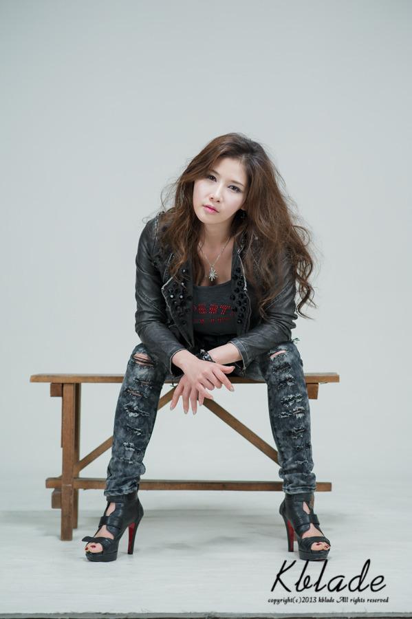 Hwang Ga Hi in new hair style