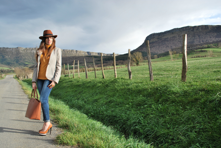 Look con sombrero II