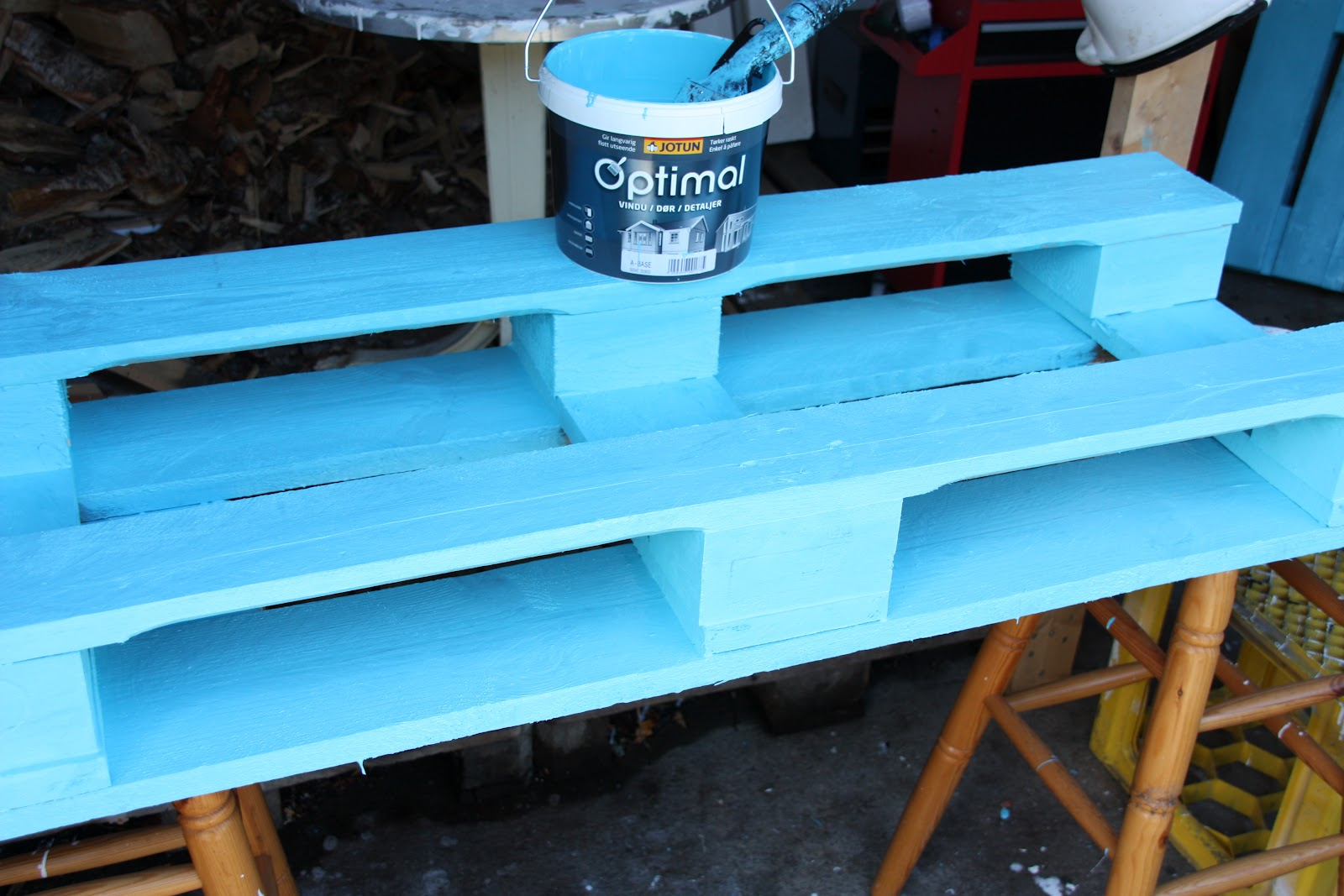 Mueblesdepalets.net: Sillones y mesa de café para decorar un rincón ...