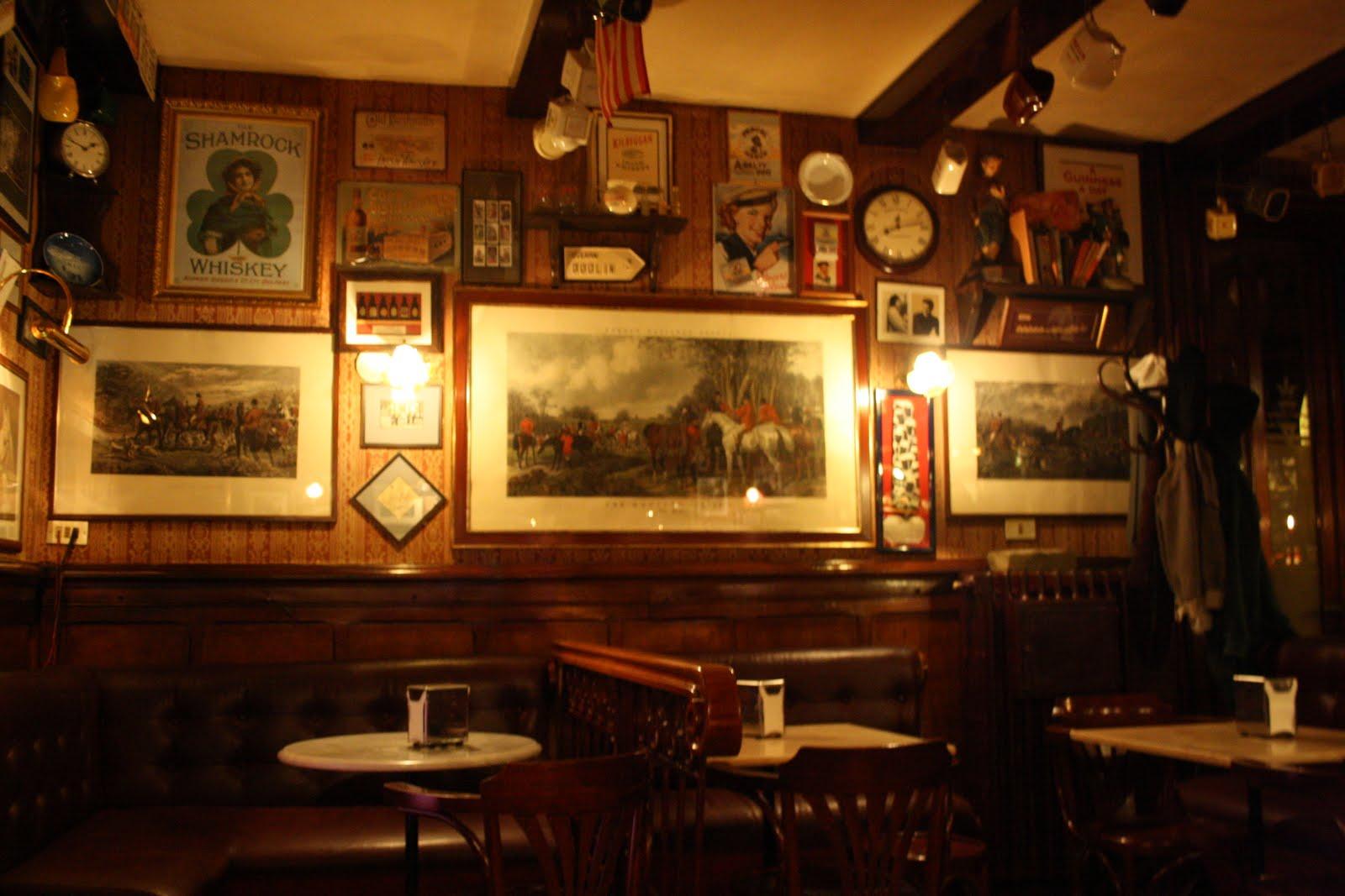 Il coltello di banjas il cavallino for Arredamento pub irlandese