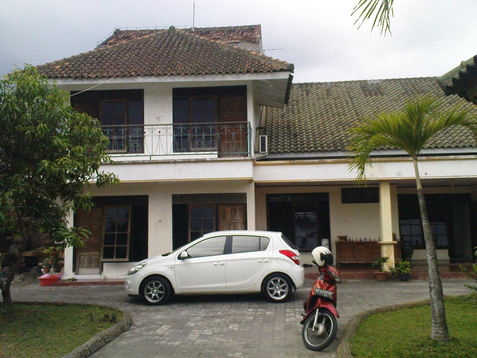 Dijual Rumah Mewah dengan kolam renang , halaman belakang luas , kamar