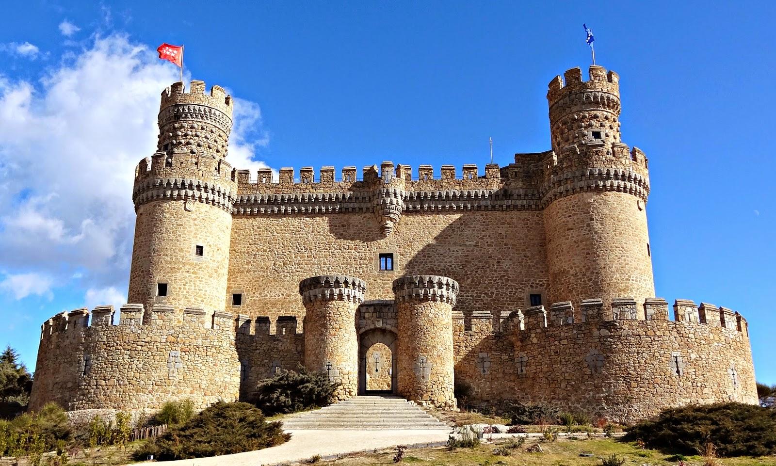 Destinos con historia castillos y fortalezas que no te - Polideportivo manzanares el real ...