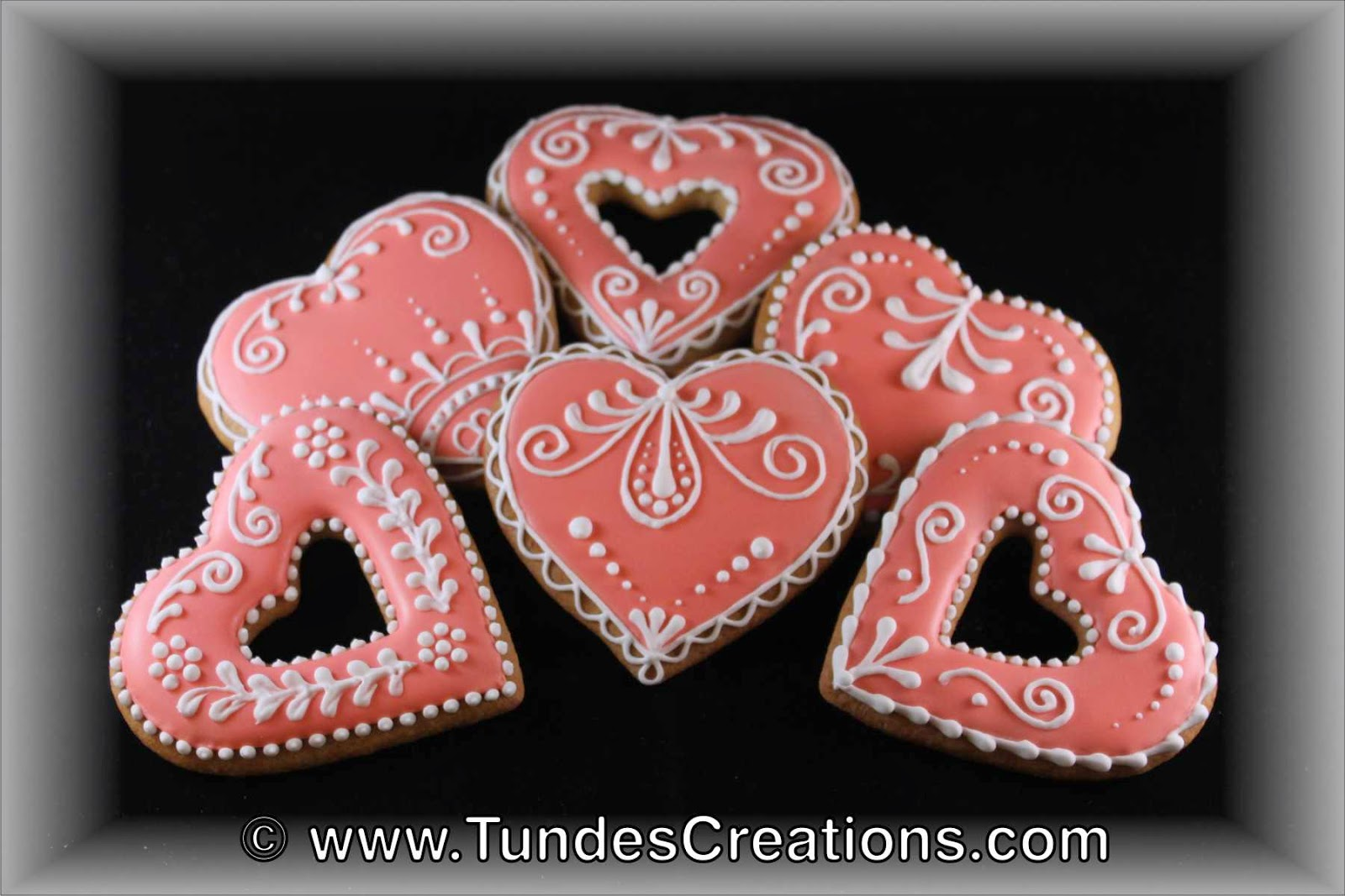 Pink and white traditional Valentine's gingerbread hearts.