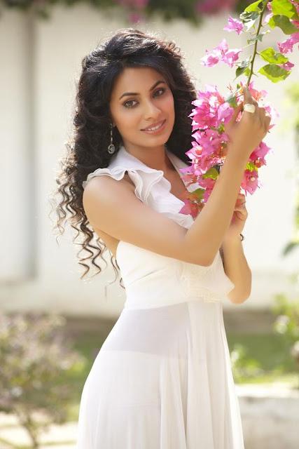 Manisha Kelkar boyfriend pics