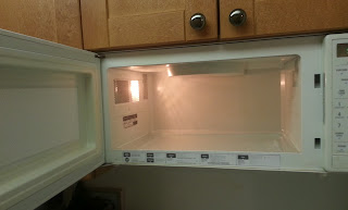 clean microwave with vinegar