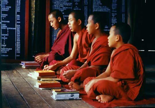 munker og nonner i hinduismen