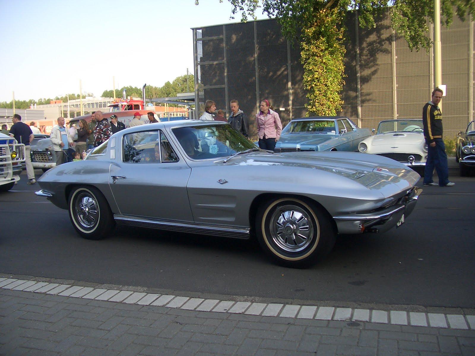 legendary cars chevrolet corvette c2 stingray 1963 1967. Black Bedroom Furniture Sets. Home Design Ideas