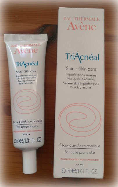 FloweryFloral: Avene Triacneal review