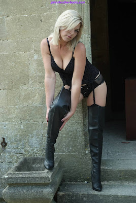 Smokin Hot Blonde Posing in Leather Boots and Lingerie