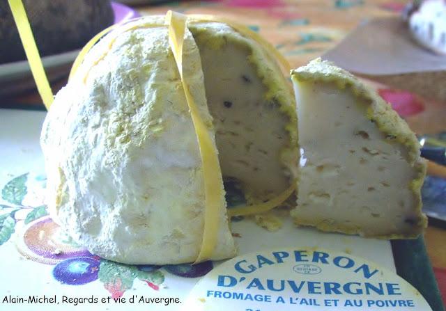 Photo d'un fromage Gaperon d'Auvergne.