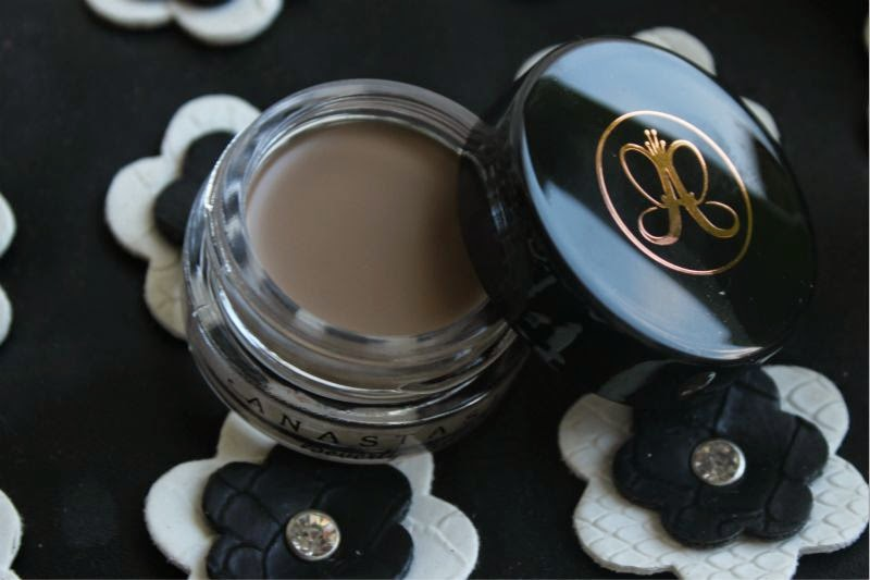 Anastasia Beverly Hills' DipBrow Pomade in Blonde