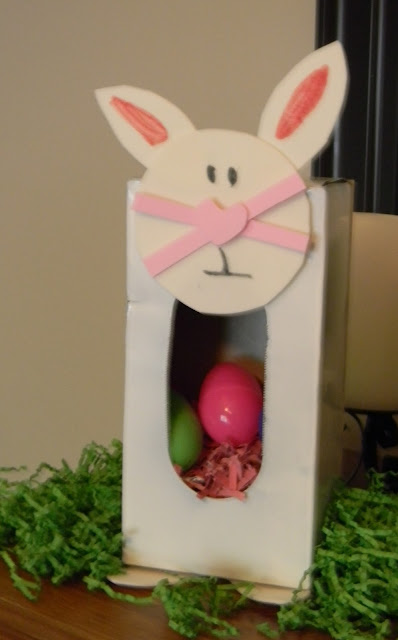 http://readysetread2me.blogspot.com, easter craft, bunny craft, preschool easter craft, tissue box challenge