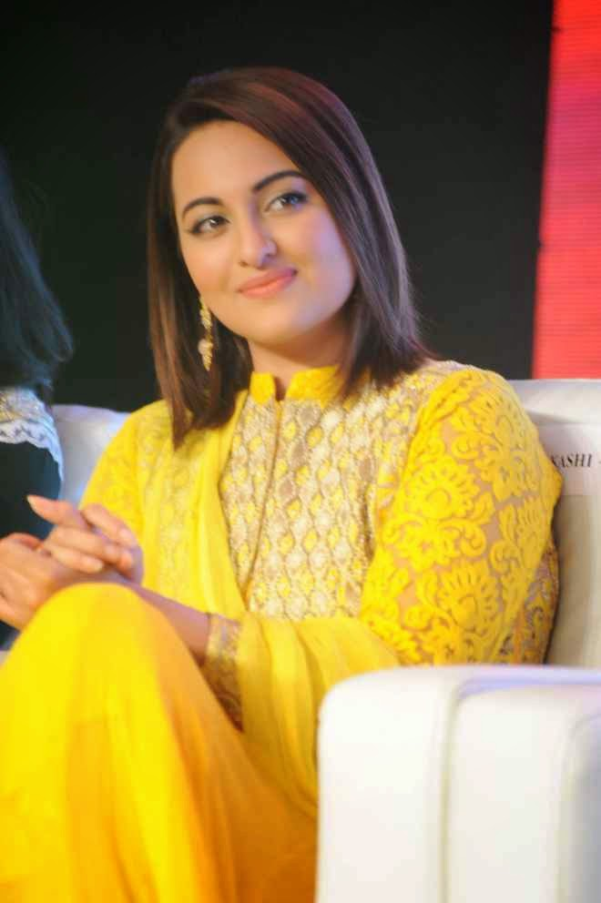Sonakshi Sinha At Lingaa Movie Audio Success Meet in Yellow Designer Suits