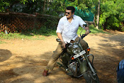 Yenthavaadu gaani movie photos-thumbnail-2