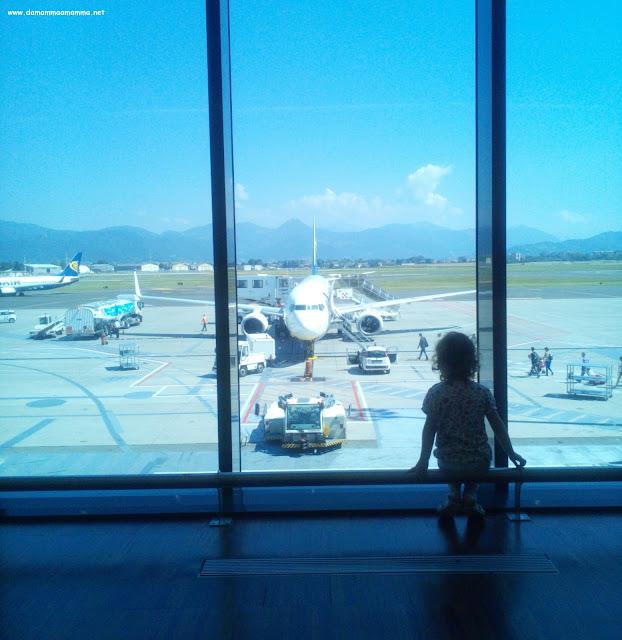 Consigli per viaggiare in aereo con i bambini