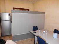 custom furniture semarang sekat partisi ruangan kantor minimalis 01