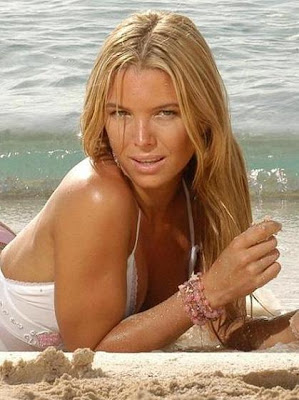 sofia zamolo en bikini 3