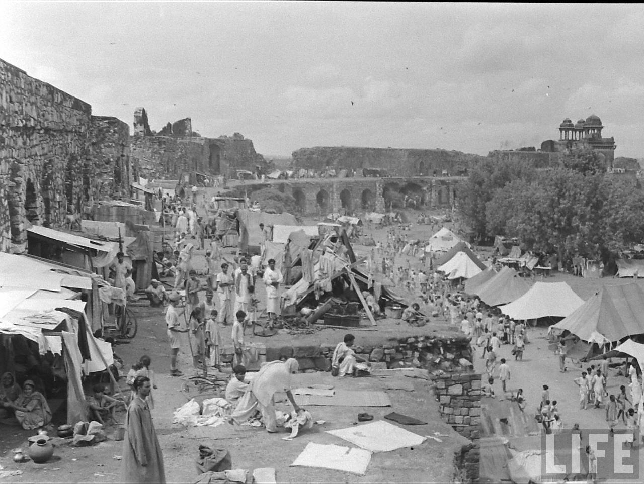 partition of india 1947 The british divided and quit india in 1947 the partition of india and the creation of pakistan uprooted entire communities and left unspeakable violence in its trail.