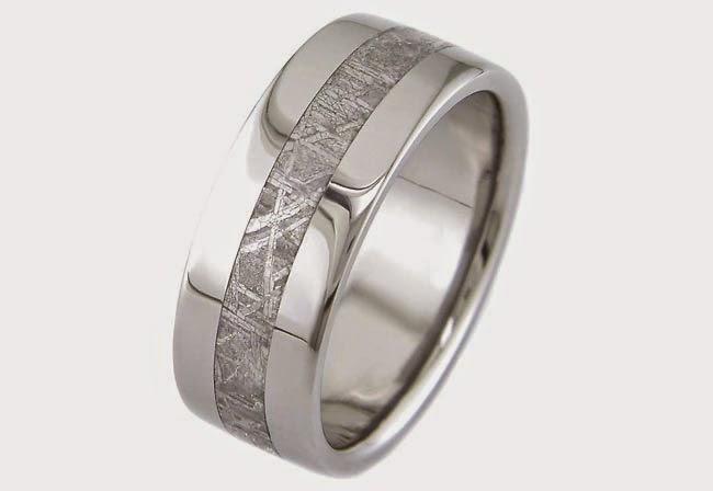Motif Ikatan Cincin Titanium