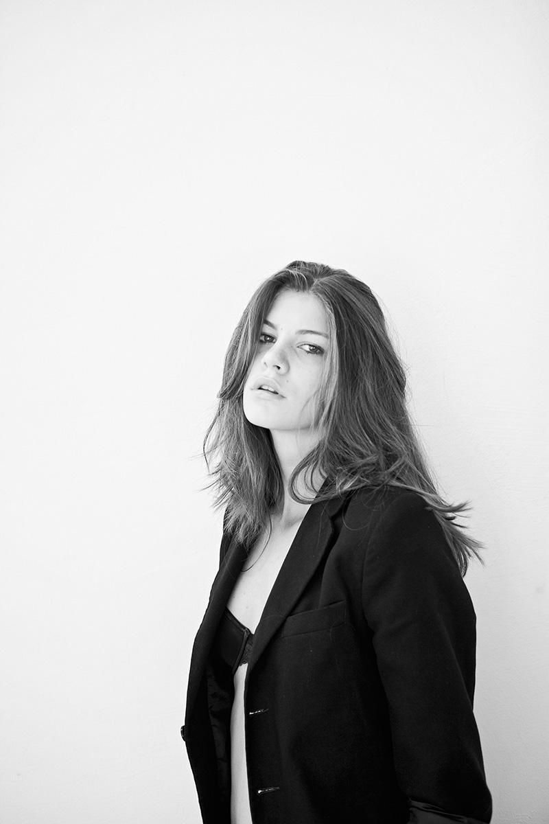 Laura Giurcanu Mra | Oltin Dogaru