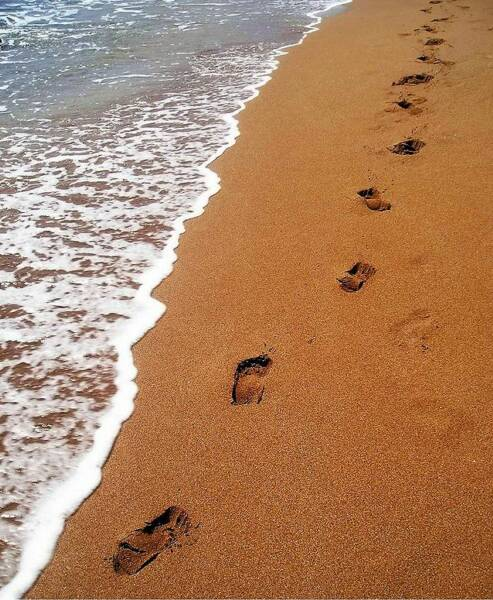 Love Quotes wallpaper: footprints in the sand poem