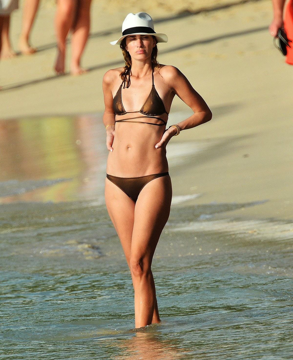 rhea+durham+bikini+boob+flash +candid+photos+in+barbados+www.gutteruncensoredplus+012