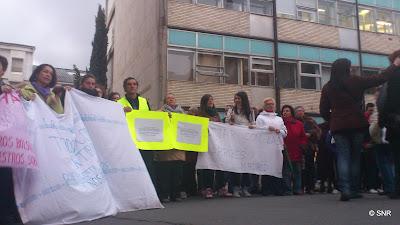 Protestas de los trabajadores frente al hospital bejarano
