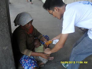 Actual Street Children Feeding