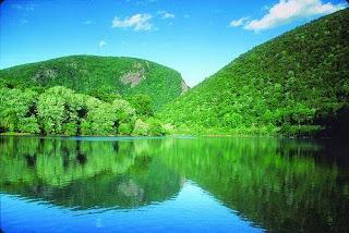 Delaware Water Gap National Recreation Area (Best Honeymoon Destinations In USA) 5