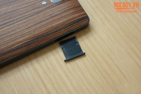 Khe sim của Xiaomi Mi4