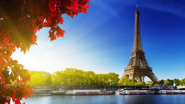 Holiday Fans travel the World RTW -family activities Budget Travel Paris