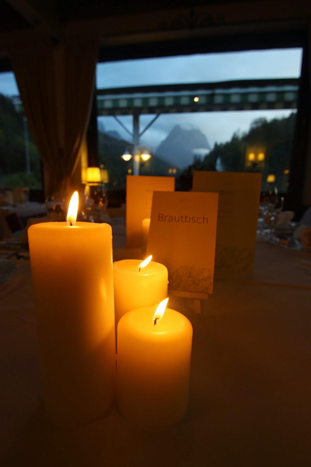 Kerzenschein am Regenabend