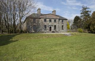 http://www.daft.ie/sales/farragh-house-mullingar-westmeath/1067088/