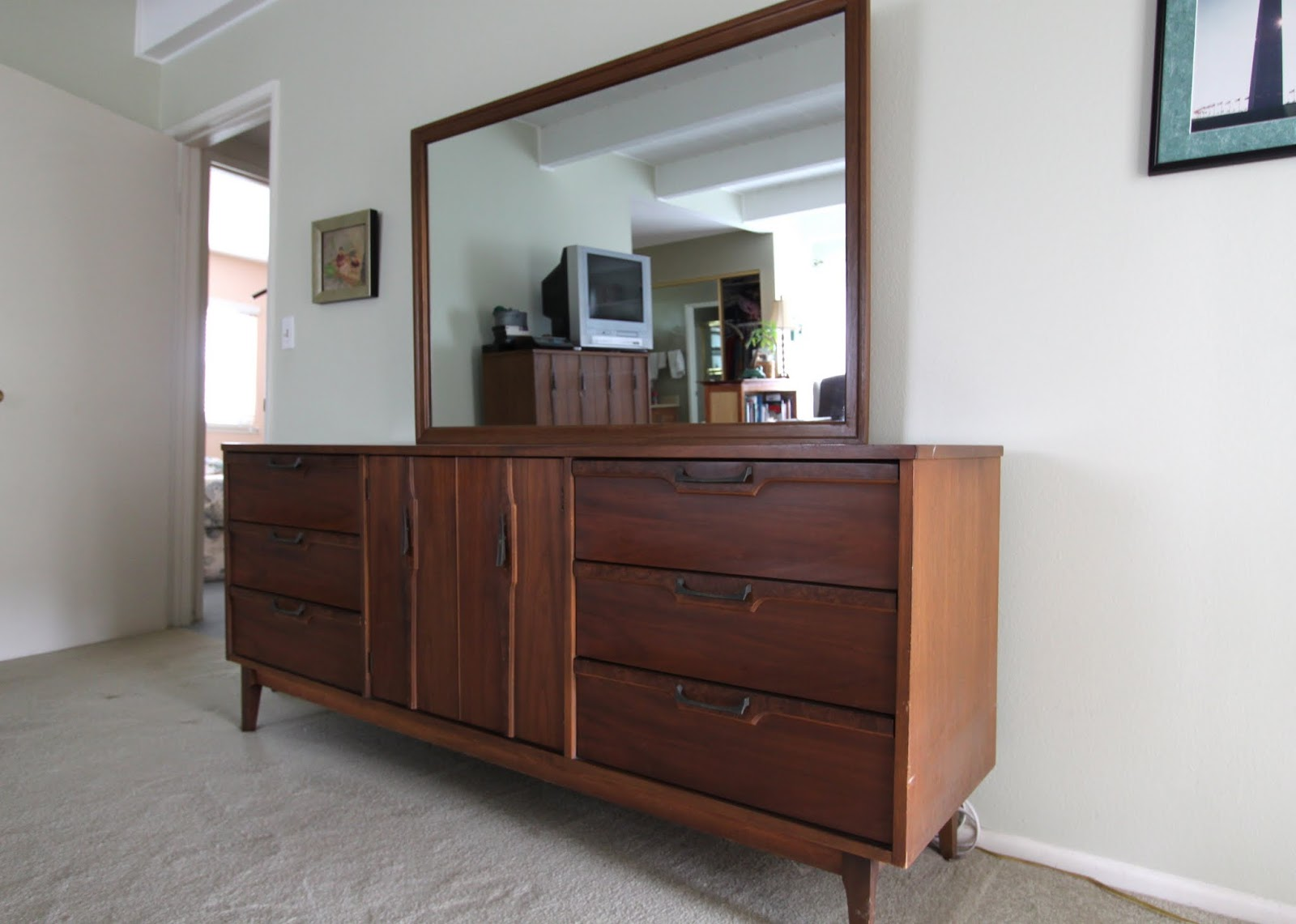 mid century modern bedroom furniture. momu0027s dresser and mirror very similar to the look u0026 feel of brasilia mid century modern bedroom furniture e