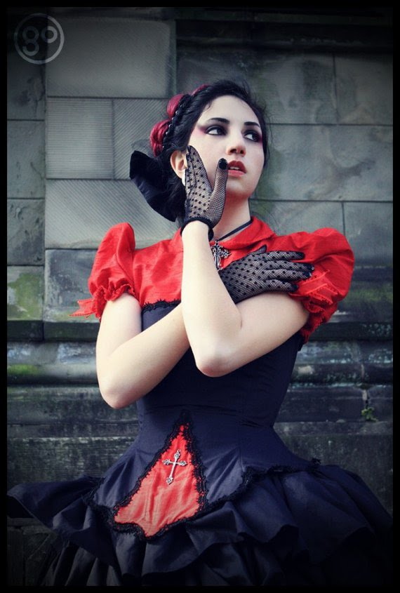As well as Gothic Steampunk Wedding Dress this Red Black Victorian wedding