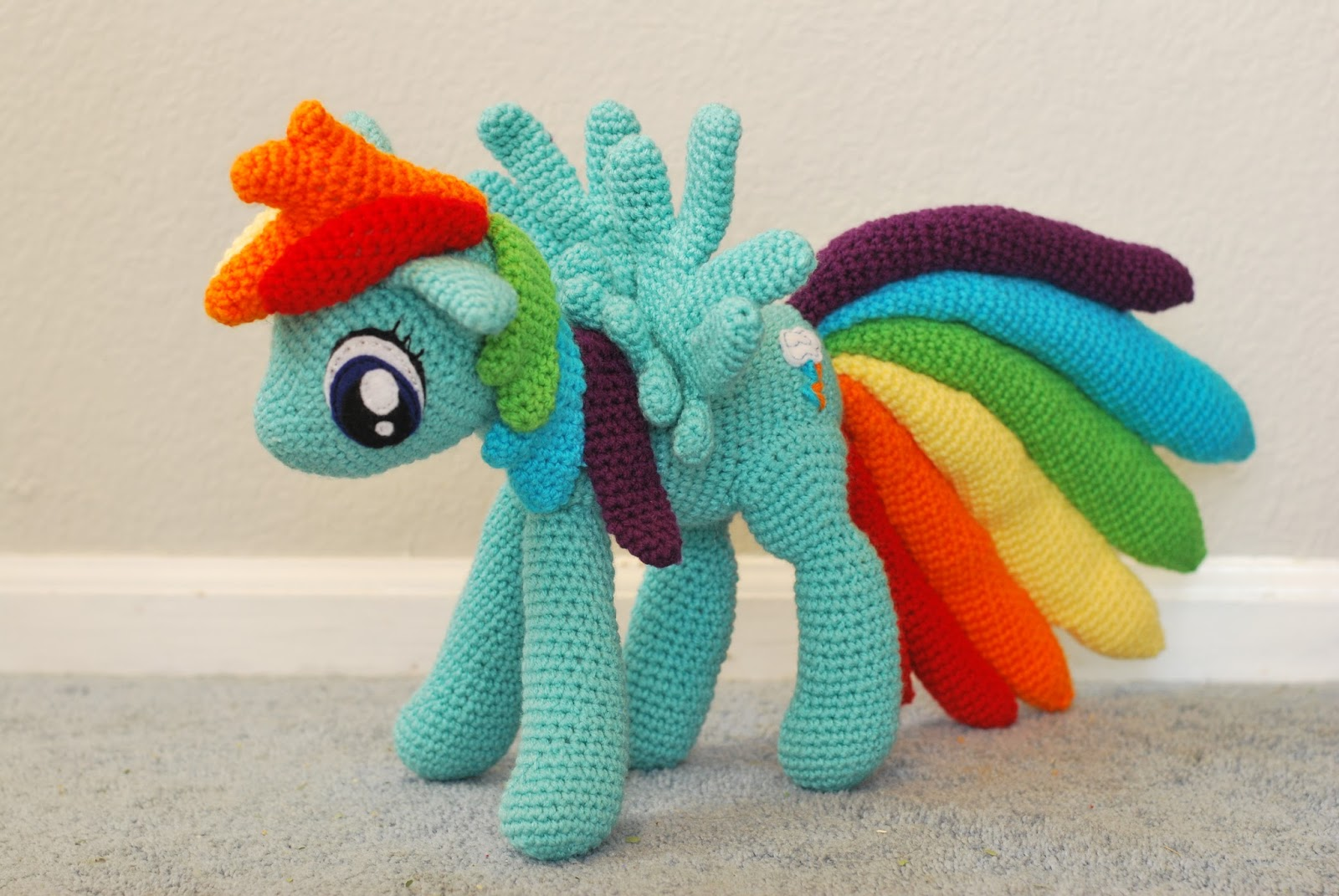 Knitting Butterflies: Rainbow Dash Amigurumi