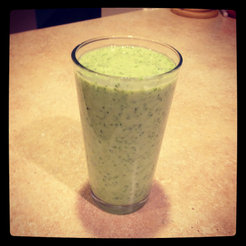 Cravings - Alisha's Cupcakes!: Green Smoothie