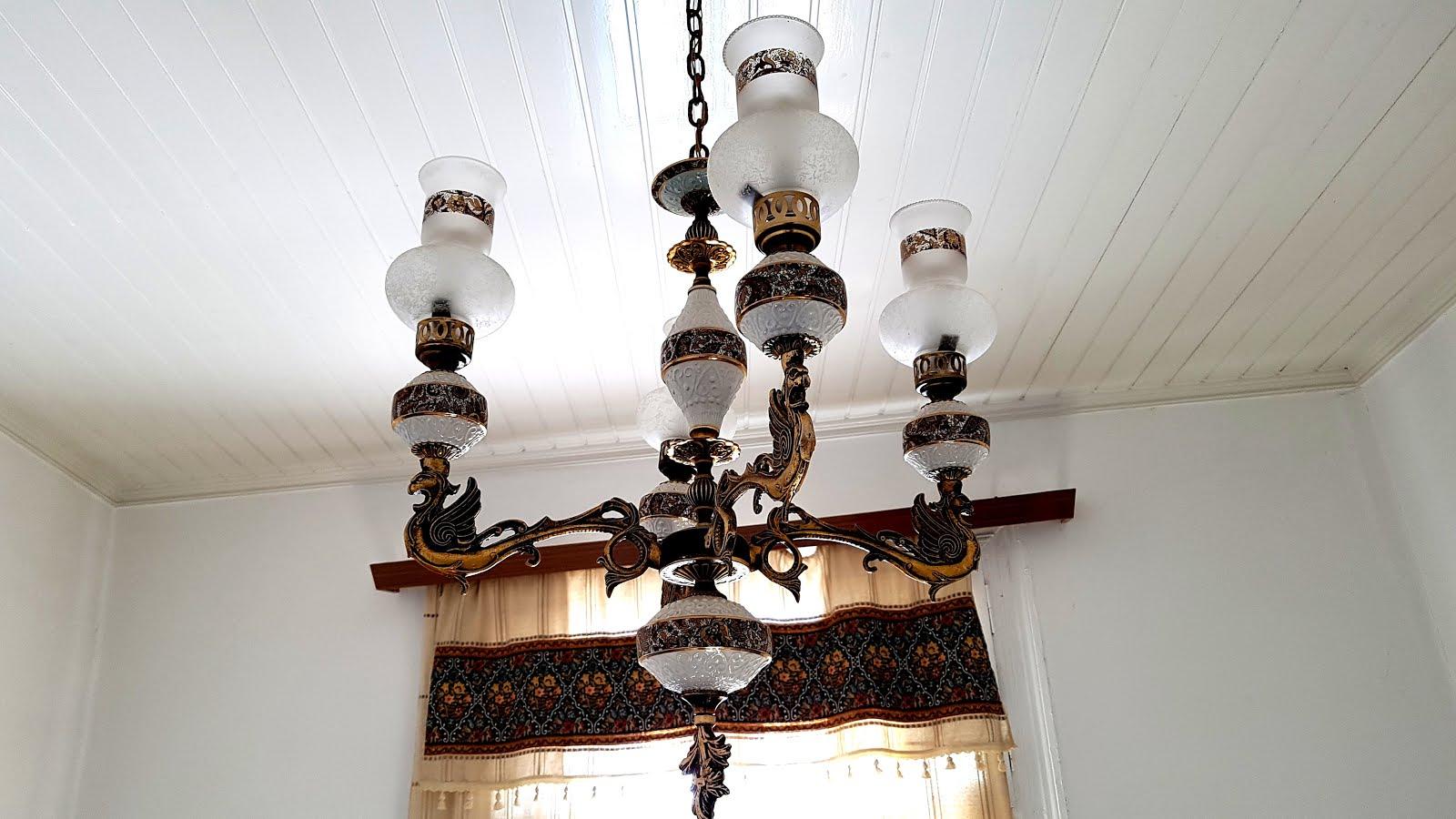 Σάμος: Όταν το φως συναντά το μέταλλο και την πορσελάνη