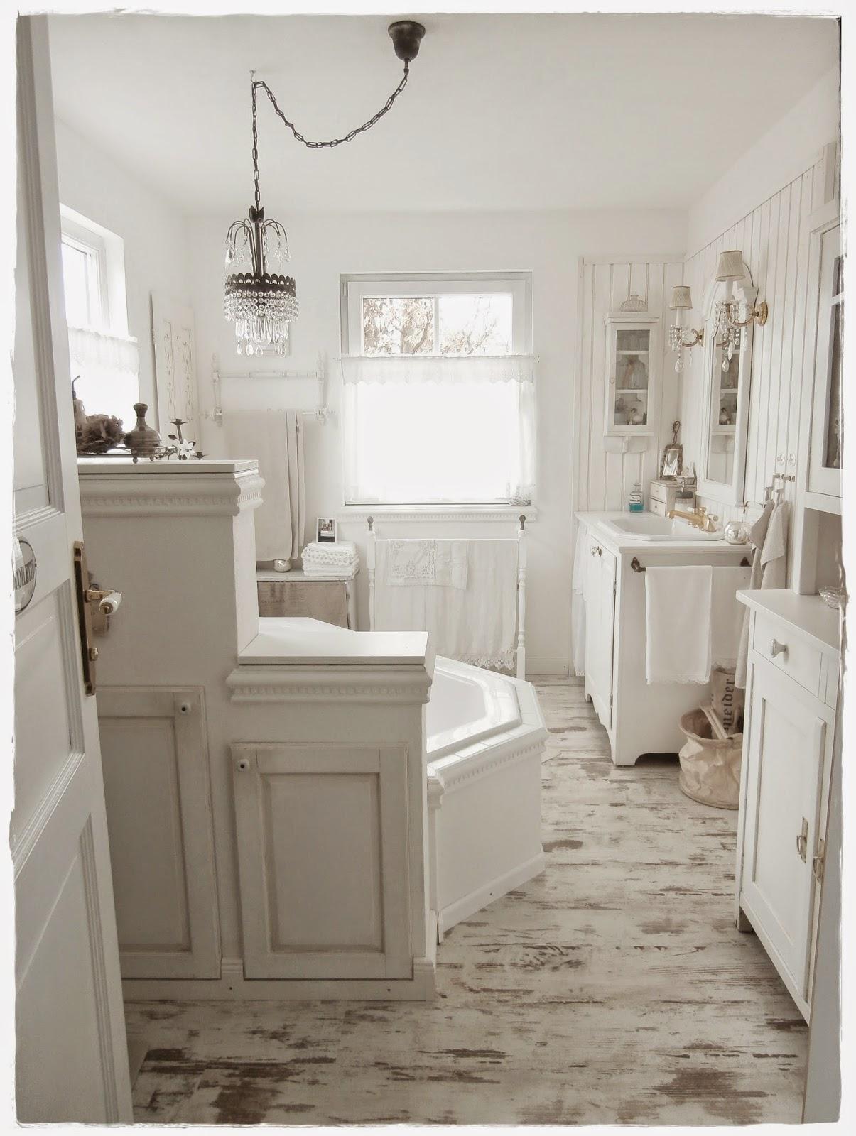 Shabby and charme una favolosa stanza da bagno in stile shabby chic - Arredo bagno shabby chic ...