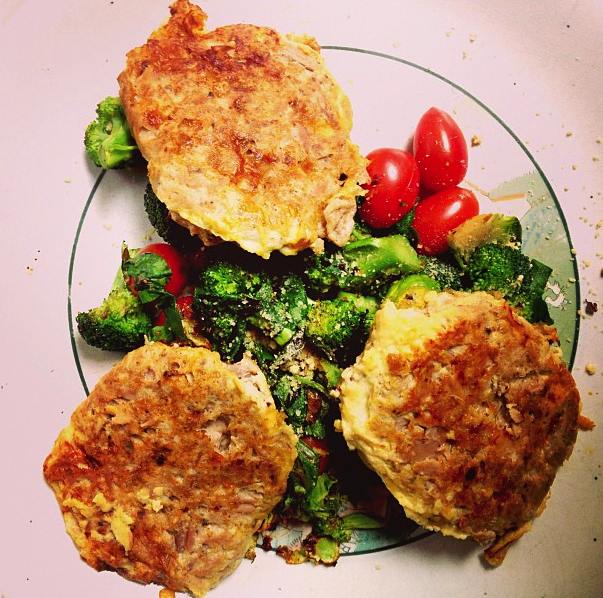 CleanLovin: Simple Tuna Patties (low carb/high protein)