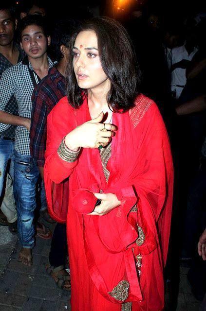 Preity Zinta at Salman Khan's Ganpati visarjan stills