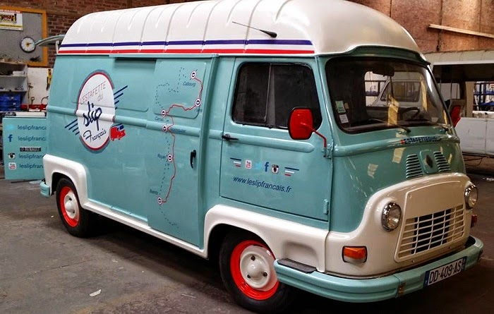 Girly daisy estafette renault for Interieur estafette