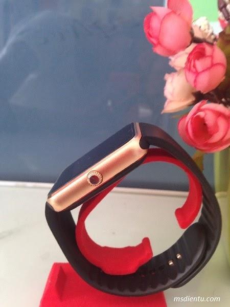 Điện thoại đồng hồ Smart Watch tích hợp chức năng nghe gọi, nhắn tín cực thích