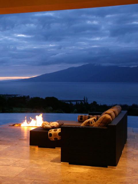 Hawaiian Hillside Patio With Million Dollar View