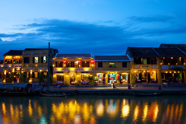 Travelling Alice: Hoi An, at Night