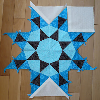English Paper Pieced Centre of the Medallion quilt