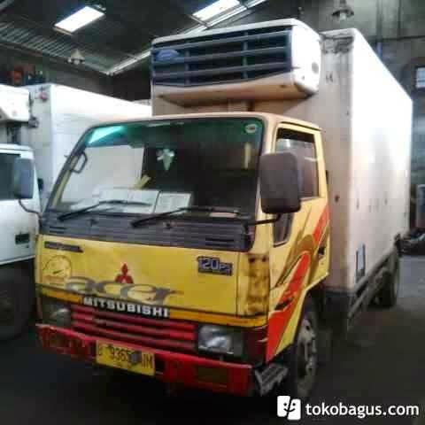 mobil truk mitsubishi bekas box ac truk bekas barang second tapi bagus. Black Bedroom Furniture Sets. Home Design Ideas