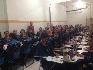 kelas make over kegiatan pra kuliah  PSPP Penerbangan Yogyakarta